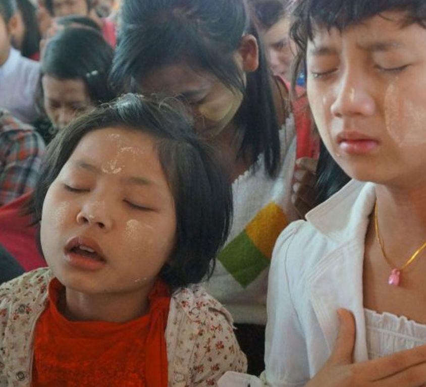 banner-pray-for-myanmar